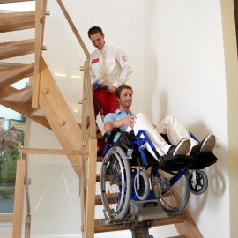 LIFTKAR PT-Uni sur les escaliers