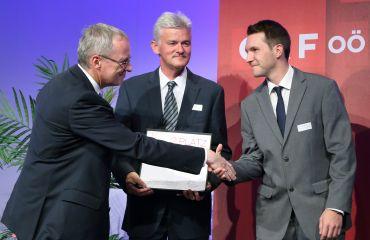Prix d`Innovation 2015 décerné pour LIFTKAR PTR chenillette monte-escalier par le gouvernement de la Haute-Autriche