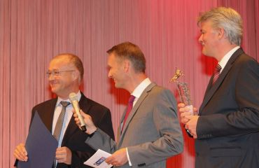 Premier prix Pegasus en or- journal OÖNachriten(la catégorie jusqu'à 49 employés)