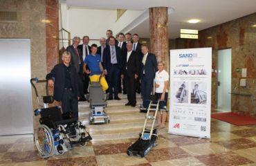 Ergonomique à travers des routes et escaliers – Liftkar monte escaliers électriques dans le monde entier
